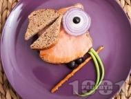 Рецепта Детски сандвич Щастливият папагал с пълнозърнест хляб и пушена сьомга